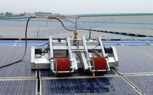 title='德瑞光伏清洁机器人-QBY系列平铺电站光伏便携遥控式清洁机器人'